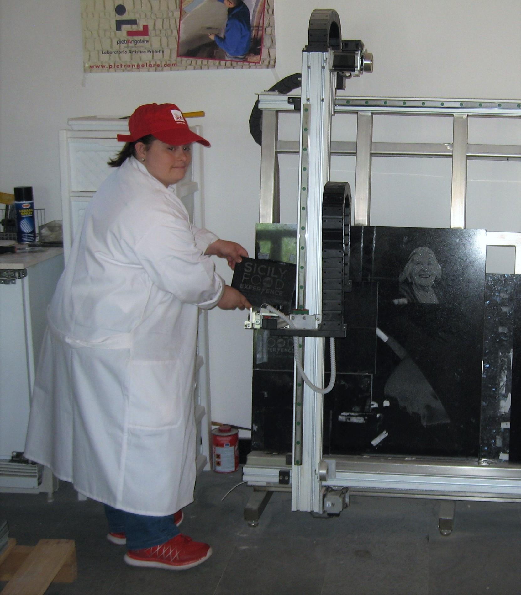 Lavoro A Chiaramonte Gulfi disabilità e lavoro: opere d'arte dalla pietra di scarto